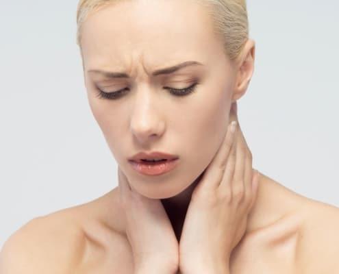 Η οξείααμυγδαλίτιδαείναι η φλεγμονή των παρίσθμιων αμυγδαλών που οφείλεται σε μικρόβια ή ιούς]